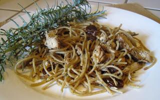 Garlic Chicken with Wheat Pasta