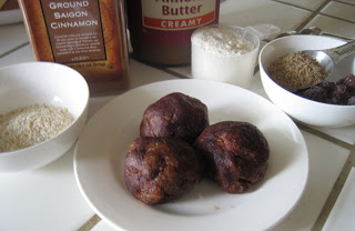 Whey Protein Balls with oatmeal and raisins